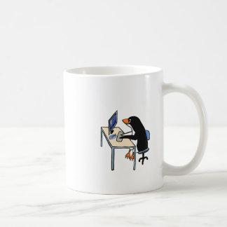 Taza De Café administrador de sistema del tux del pingüino