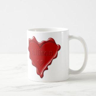 Taza De Café Allison. Sello rojo de la cera del corazón con