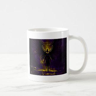 Taza De Café Amarillo y púrpura angelicales del guarda