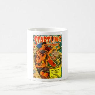 Taza De Café Anguila Dos-dirigida asustadiza del espacio