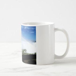 Taza De Café Arco iris durante las caídas