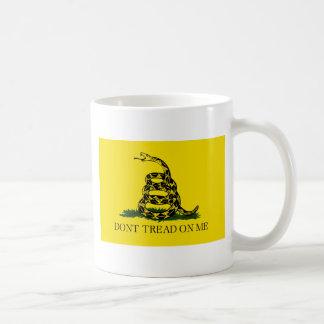 Taza De Café Bandera de Gadsden - no pise en mí - serpiente en