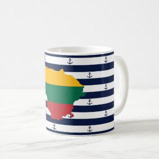 Taza De Café Bandera/mapa de Lituania en fondo rayado