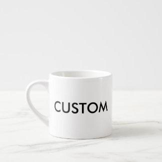 Taza de café blanca del café express del