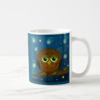Taza De Café Búho lindo del marrón de la noche