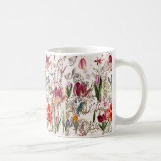 Taza De Café Campo brillante de la primavera. Modelo romántico