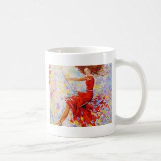 Taza De Café Chica en un oscilación