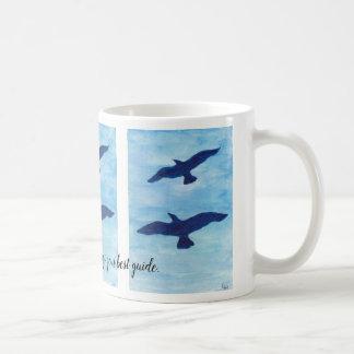 Taza De Café Cielo azul con volar de los pájaros