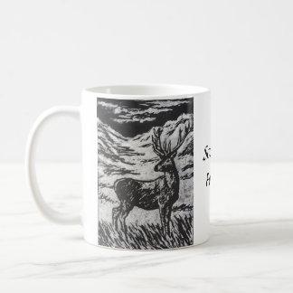 Taza De Café Ciervos escoceses en Linocut negro y blanco de la