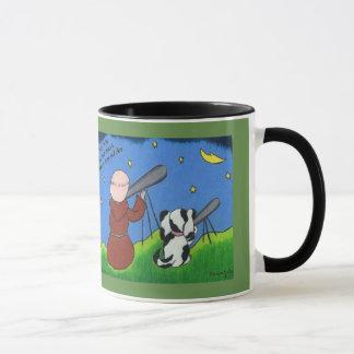 Taza de café con el monje y el perro