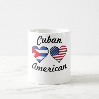 Taza De Café Corazones cubanos de la bandera americana