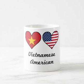 Taza De Café Corazones vietnamitas de la bandera americana