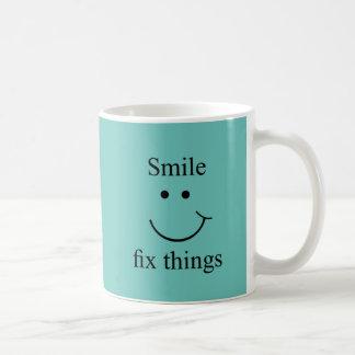 Taza De Café Cosas del arreglo de la sonrisa