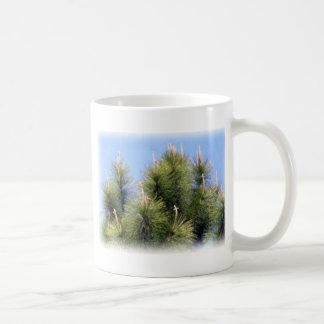 Taza De Café cruz del árbol de pino