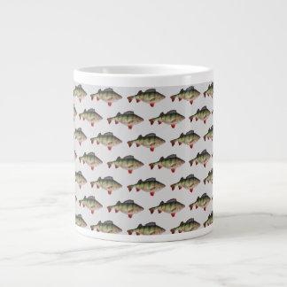 Taza de café de la pesca de la perca