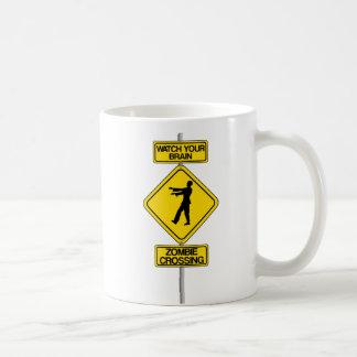 Taza de café de la señal de peligro del horror del