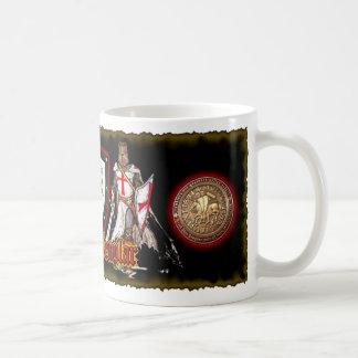 Taza de café de Templars de los caballeros