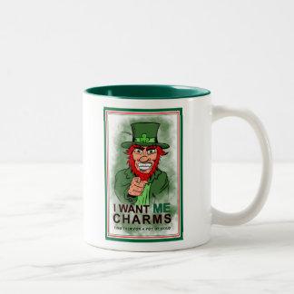 Taza de café del encanto del día de St Patrick