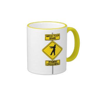Taza de café del horror del zombi