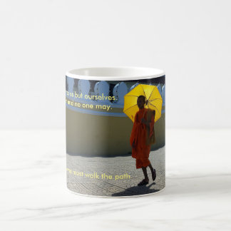 Taza de café del monje budista
