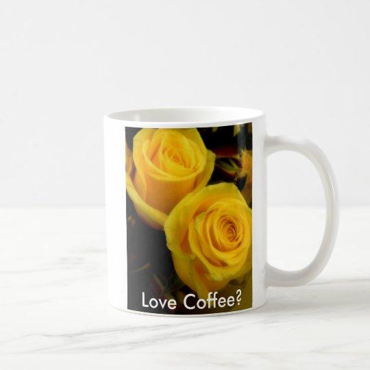 Taza de café del rosa amarillo