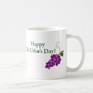 Taza De Café ¡Día del St. Urho feliz! con las uvas