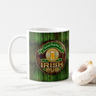 Taza De Café Día irlandés del St Patricks de la muestra del Pub