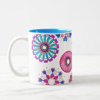 taza de café dibujada mano del arte del spirograph