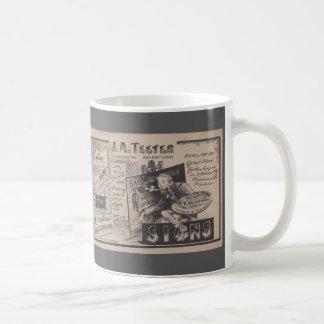 Taza De Café Diseñador gráfico de muestra del anuncio viejo del
