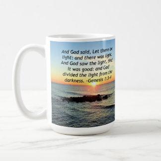 Taza De Café Diseño sereno de la biblia del 1:3 de la génesis