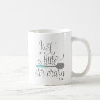 Taza de café divertida de la cita de la cocina