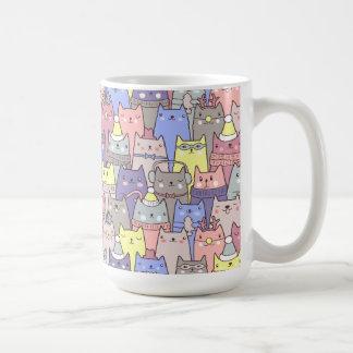 Taza de café divertida de los gatos frescos con