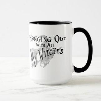 Taza de café divertida del refrán para las brujas