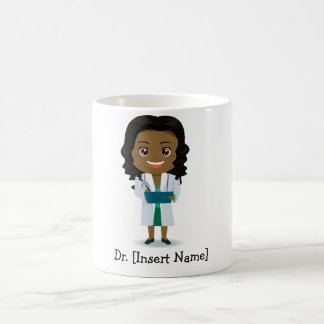 Taza De Café Doctor oscuro lindo personalizado de la hembra de