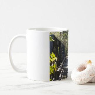 Taza De Café El Birdge en el paseo de la cala