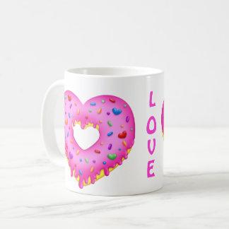 Taza De Café El buñuelo rosado del corazón con el arco iris