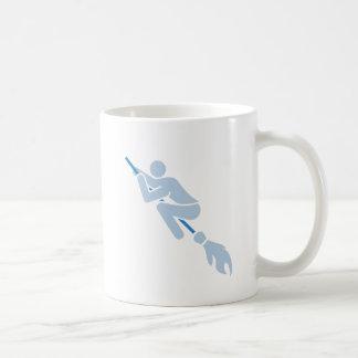 Taza De Café el volar en la escoba mágica