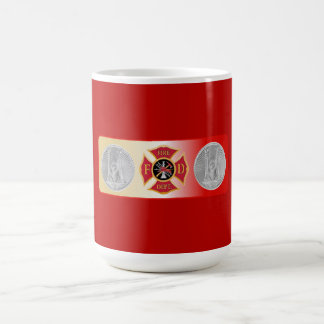 Taza De Café Escudo de la trompeta del capitán 2 del bombero