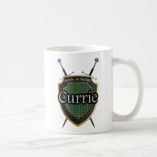 Taza De Café Escudo y espadas escoceses del tartán de Currie