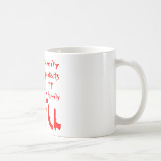 Taza De Café Esta familia protege a mi familia