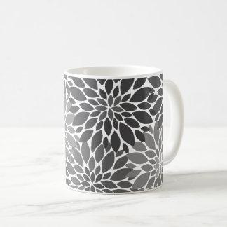 Taza De Café Estampado de flores de los crisantemos del gris de