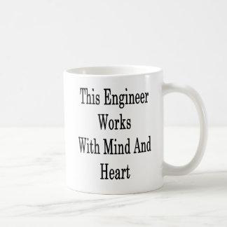 Taza De Café Este ingeniero trabaja con mente y el corazón