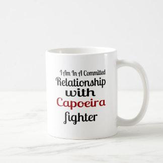 Taza De Café Estoy en una relación confiada con el higo de