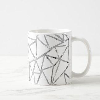Taza De Café Estructura de triángulos con un collage de fuentes
