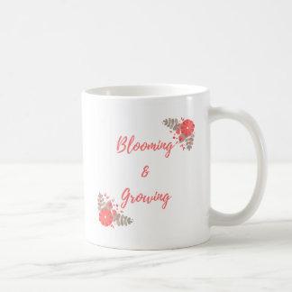 Taza De Café Floración y crecimiento