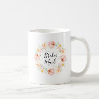 Taza de café floral de la dama de honor de la