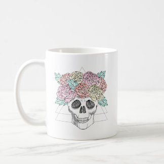 Taza de café floral geométrica del cráneo