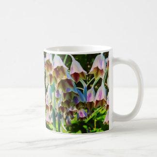 Taza de café - flores del allium