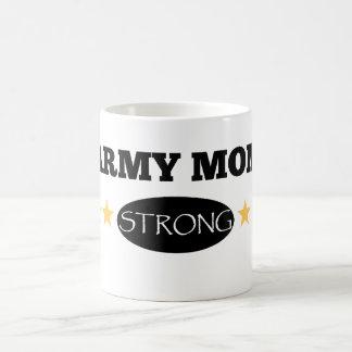 Taza de café fuerte de la mamá del ejército