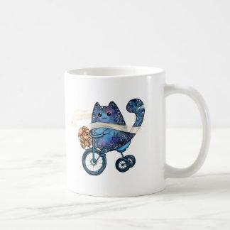 Taza De Café gato cósmico en la bici
